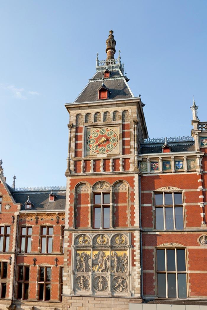 La torre della stazione di Amsterdam.